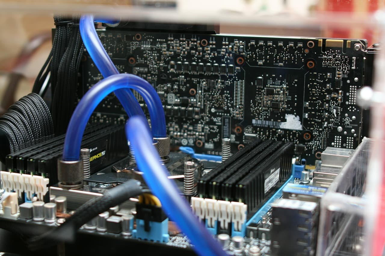 motherboard-386669_1280
